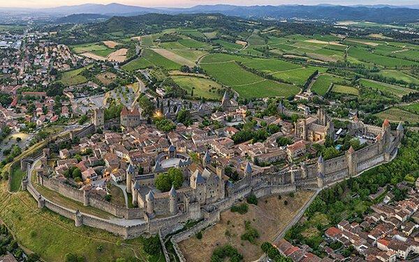 Visiter le village de Carcassonne