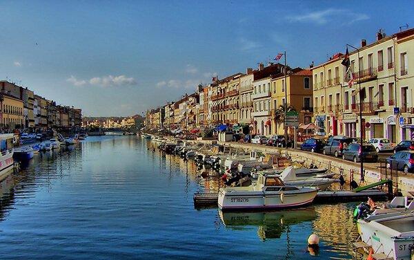 Visiter la ville de Sète près du Mas de Thau