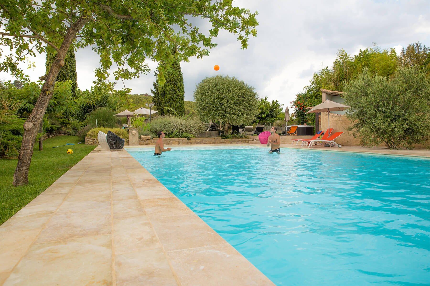 mas de thau piscine vacances loisirs