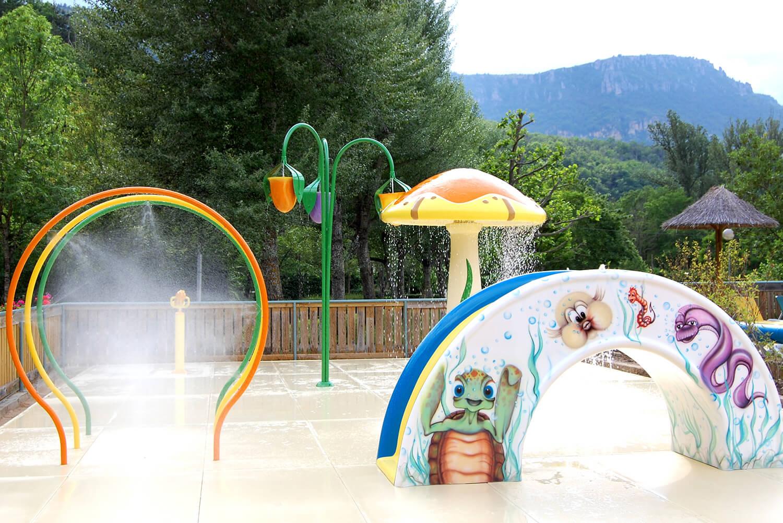Mas de Thau jeux d'eau pour enfants