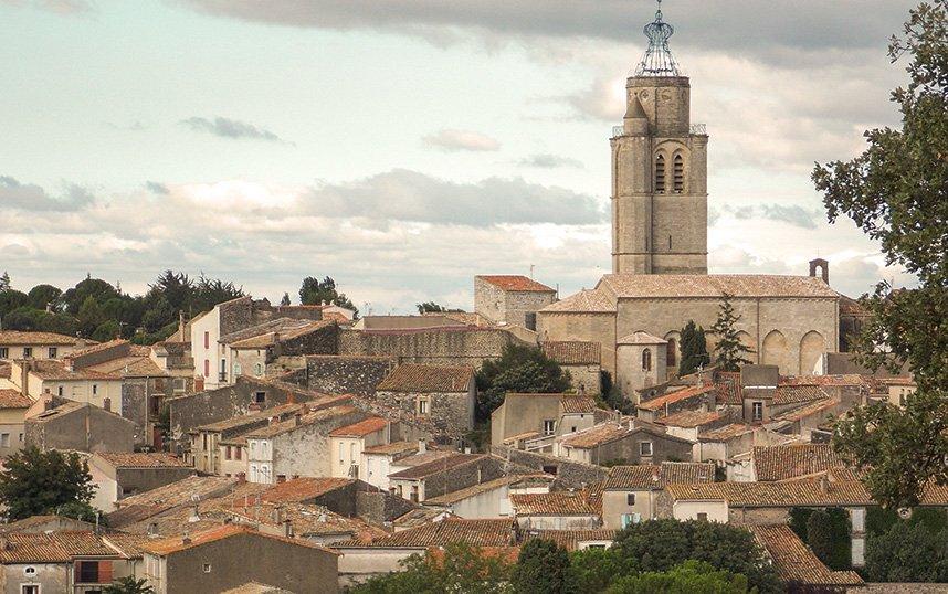 Visiter la ville de Pezenas près du Mas de Thau